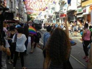 40 STK, LGBT yürüyüşüne karşı bildiri yayımladı