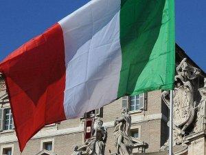 İtalya'da 126 yerleşim yerinde seçim yapılacak