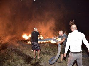 Bodrum'daki makilik alanda çıkan yangın sürüyor