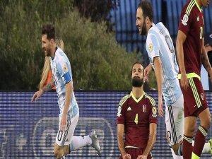 Arjantin 4 golle güldü