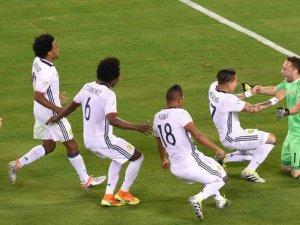 Kolombiya 12 yıl sonra yarı finalde