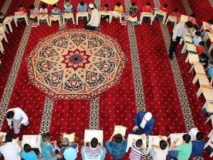 Camiler yaz Kur'an kurslarına hazır
