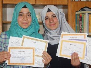 Suriyeli kardeşlerin gururlandıran başarısı