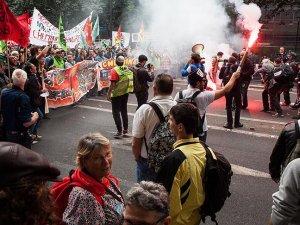Fransızlar grev ve protestoları haklı buluyor