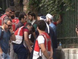 Taksim'de LGBTİ gerginliği: 15 gözaltı