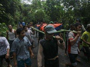 Endonezya'da toprak kayması: 35 ölü
