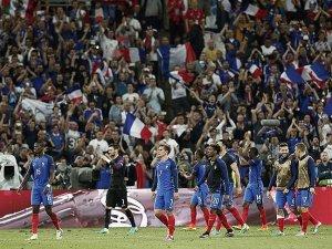 EURO 2016 A Grubu'nda lider Fransa