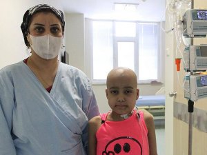 Iraklı çocuk Almanya'dan gelen ilikle hayata tutundu