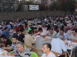 Diyarbakır'da terör mağdurları iftarda buluştu