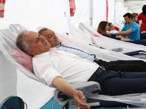 Genç: Kan bağışında yüzde 110 başarı sağlandı