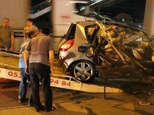 İzmit'teki trafik kazasında 1 futbolcu öldü, 2 kişi yaralandı