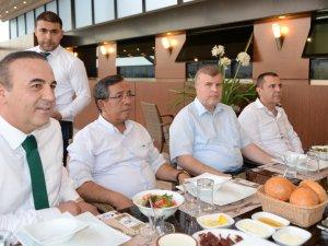 Atiker Konyaspor yönetimi basınla iftarda buluştu