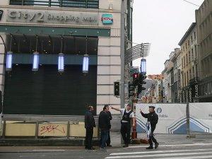 Brüksel'de bomba ihbarı üzerine alışveriş bölgesi kapatıldı