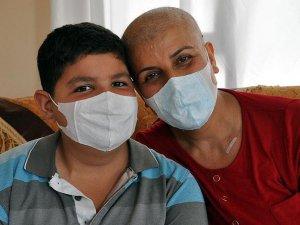 Ana-oğul kanserle mücadele ediyor