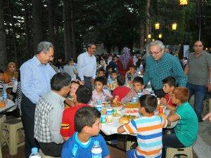 Akşehir Belediyesi'nden kardeşlik iftarı
