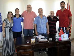 Çanakkale Belediyespor teknik kadro ile sözleşme yeniledi