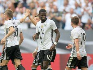Almanya grubu lider tamamladı