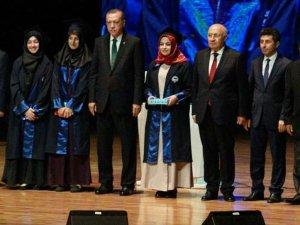 Şeyda Nur Ersöz ödülünü Erdoğan'dan aldı