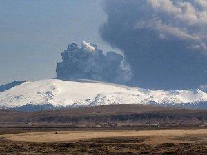 İzlanda'nın 'Cehennem Kapısı' her an patlayabilir