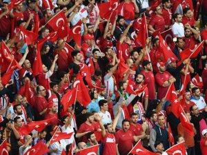 Türk seyirciler Fransızları hayran bıraktı