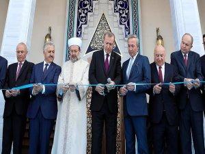 Esenboğa Havalimanı'nda yapılan cami ibadete açıldı