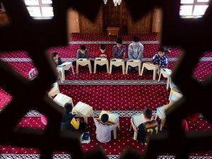 Ahıskalı çocuklar 'Kur'an-ı Kerim' öğreniyor