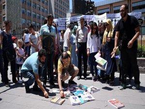 Öğretmen adaylarından MEB önünde eylem