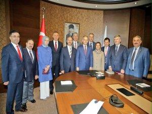 AK Parti Konya'dan Bakan Kılıç'a ziyaret