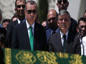 Erdoğan gazeteci Karaalioğlu'nun babasının cenaze namazına katıldı