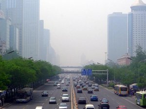 Pekin her yıl 11 santim çöküyor