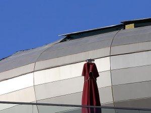 Başkentte AVM'nin çatısı çöktü