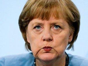 """Merkel'den İngiltere açıklaması: """"Çirkinleşmeyelim"""""""