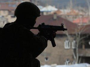Hakkari'de iki terörist etkisiz hale getirildi