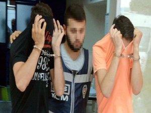 Çocuğu darbedip 13 lirasını alan 2 kişi tutuklandı