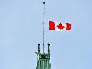 Kanada Parlamentosu'nda bayrak İstanbul'daki terör saldırısı için yarıya indirildi