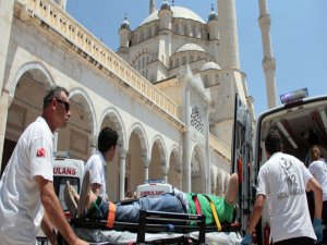 Adana'da cuma sırasında canlı bomba alarmı!