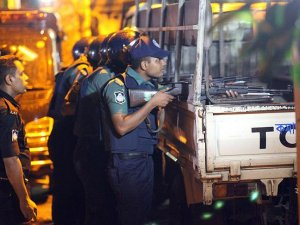 Bangladeş'te rehine krizi