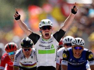 Fransa Bisiklet Turu'nun açılış etabını Cavendish kazandı