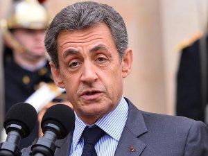 Sarkozy'den cumhurbaşkanlığı yarışı sinyali