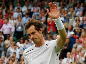 Wimbledon'da Murray yoluna devam ediyor