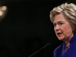 Hillary Clinton FBI'a ifade verdi