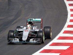 Hamilton son turda kazandı