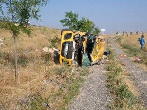 Bayram yolcuları kaza yaptı: 1 ölü, 4 yaralı