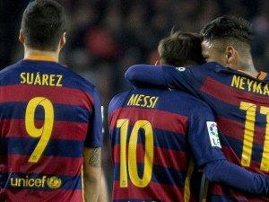 Samuel Eto'o Vakfı: Futbolun yıldızları karşılaşması iptal edilmedi