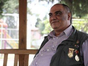 'Bu ülkenin seveni, polisi, askeri bitmez'