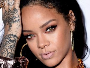 Rihanna'nın virüs korkusu!