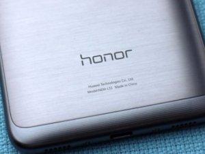 Huawei'den dev telefon