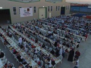 Suriye'de 2 bin kişiye iftar