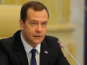 Medvedev: İthalat kısıtlamalarının kaldırılması süreci devam ediyor