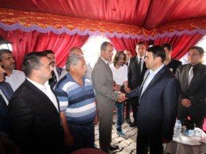 Vali Işın, Sırrı Sakık'a seslendi: 'PKK'nın haracına karşı dur'